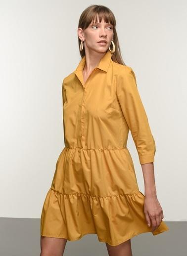 NGSTYLE Ngkss21El0019 Düğme Detaylı Volanlı Elbise Hardal